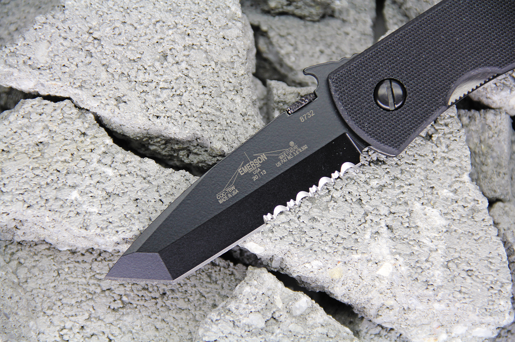 emerson-knives-inc-cqc-7bw-blade-close-up